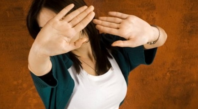 Добрі вчинки допомагають боротися з соціофобією
